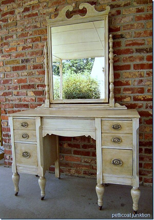How To Antique Furntiure Off White Paint Antiqued Or Aged With Toner Petticoat Junktion Furniture Project