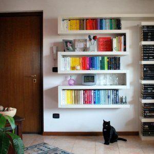 Libreria Con Mensole Ikea.Libreria Zig Zag Composta Con Le Mensole Lack Ikea Fatta