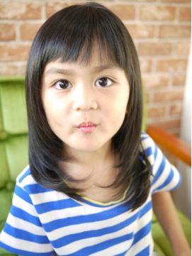 パッツン レイヤースタイル L000959017 ファミリア ヘアー Familiar Hair のヘアカタログ ホットペッパービューティー キッズ ヘアスタイル 女の子 キッズ 女の子 髪型 子供髪型 女の子
