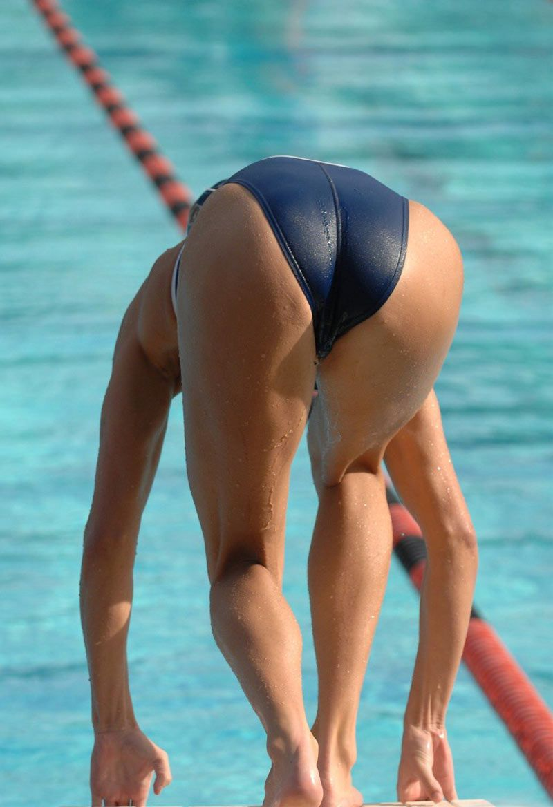 sexy-female-swimmers-swollen-hermaphrodite-pussy-fucked
