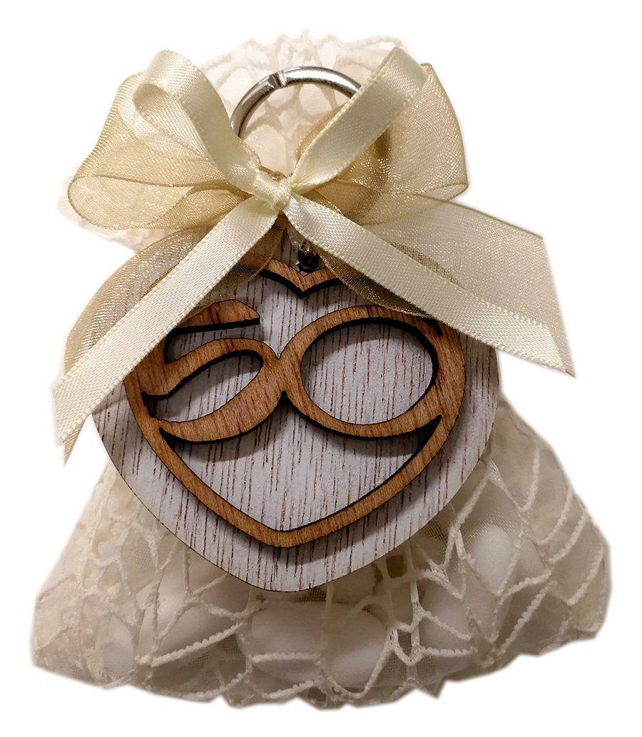 Bomboniera Nozze Oro Portachiavi 50 Anniversario Di Matrimonio Confezionato Con Sacchetto Portaconfetti Nastri Confetti E B Bomboniera Nozze 50 Anniversario