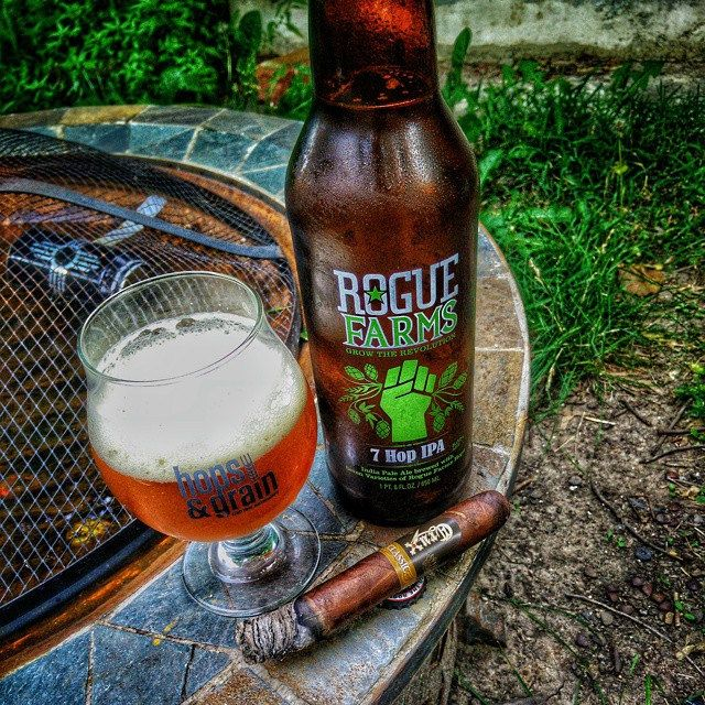 https://flic.kr/p/tmY8UJ | My fav beer from @rogueales along with a @cruxcigars Classic!