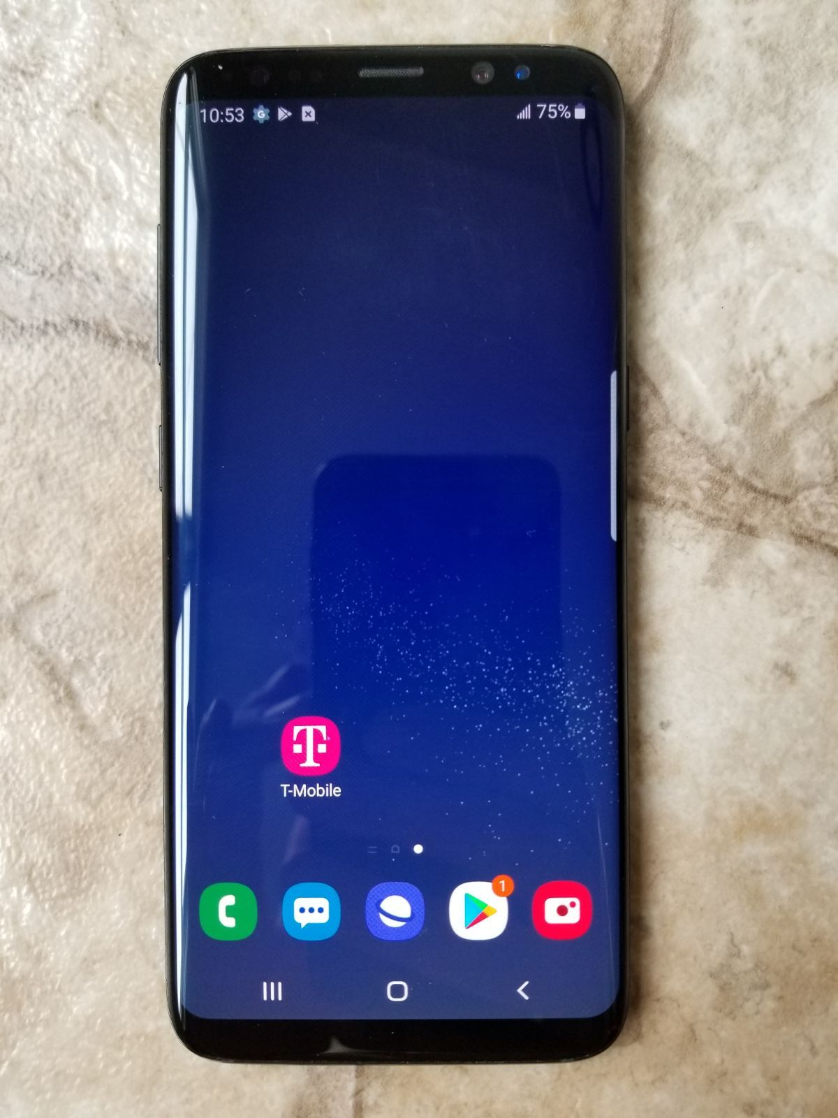 Samsung Galaxy S8 in very good condition. It works great