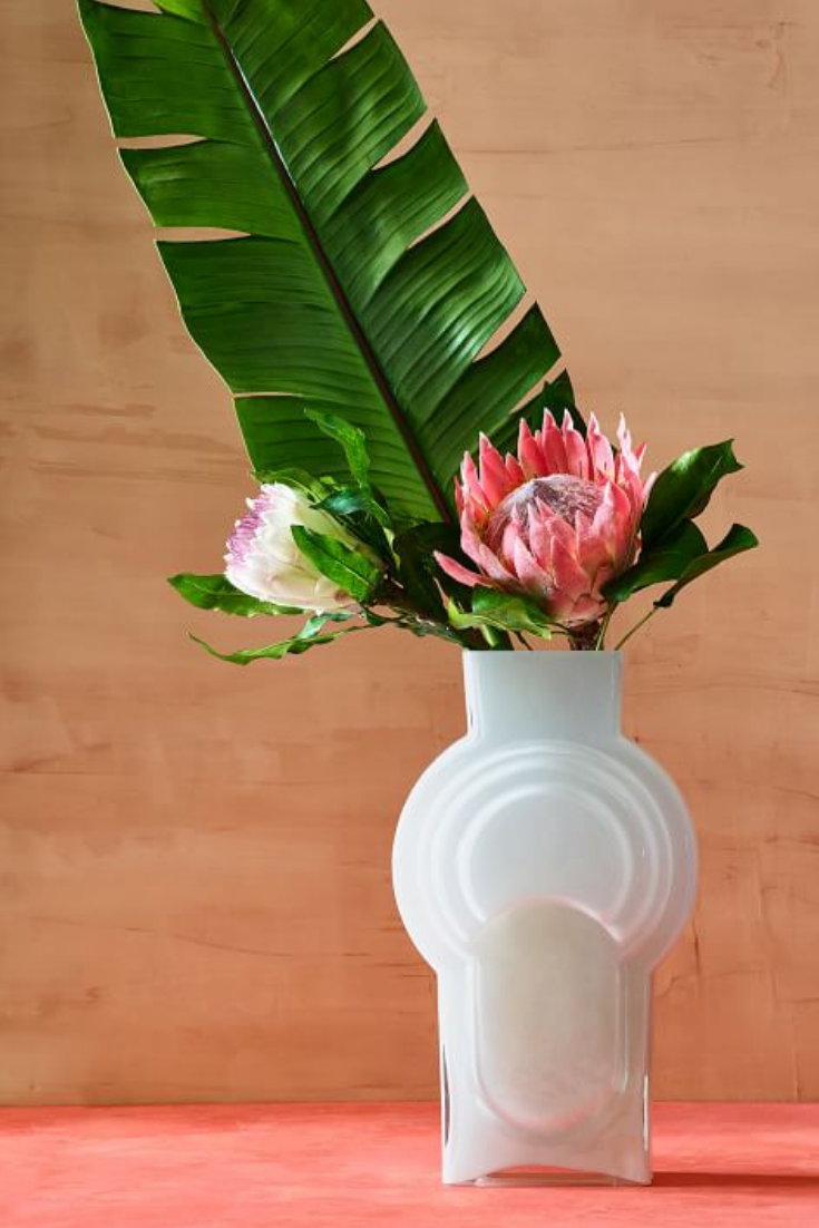 Real Anthuriums Cost 20 A Stem So May We Suggest A Faux Anthurium Anthurium Candy Bags Wedding Floral Arrangements