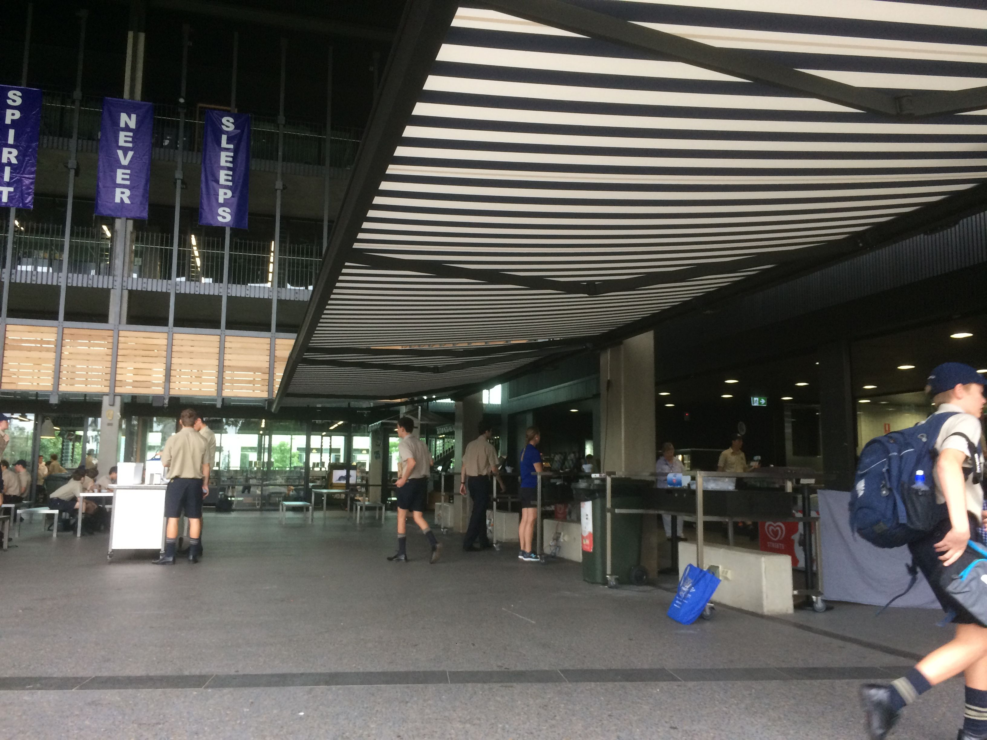 Retractable Awnings Brisbane Retractable Awning Roofing Systems Seaside Cafe
