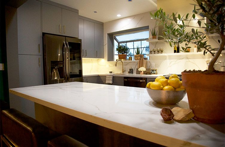 See The Glamorous Kitchen Makeover From Nate And Jeremiah By Design And The Secrets That Brought It To Life Na Glamorous Kitchen Kitchen Makeover Nate Berkus