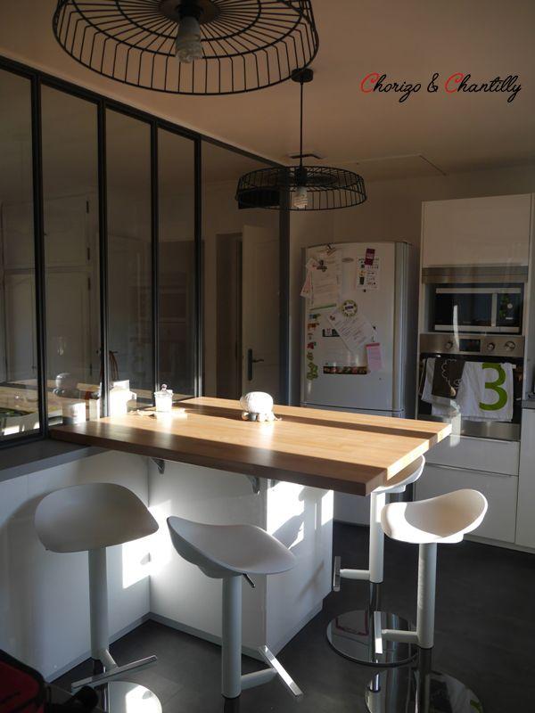 cuisine et tabouret ikea verri re pos e par paradis en fer 69 suspensions home made bar. Black Bedroom Furniture Sets. Home Design Ideas
