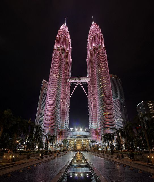 In support of Breast Cancer Awareness program, the Petronas Twin Towers turned pink for 2 days a couple of week ago