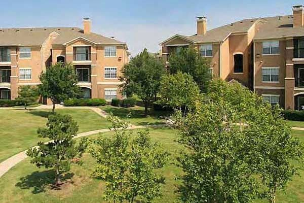469 416 3551 1 3 Bedroom 1 2 Bath Sheffield Square 2770 Bardin Road Grand Prairie Tx 75052 Renting A House Apartments For Rent House Styles