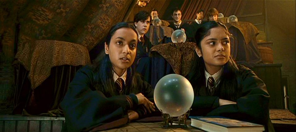 Padma Afshan Azad And Parvati Patil Were Twin Sisters Who Studied Alongside Harry Ron And Harry Potter Love Harry Potter Aesthetic Harry Potter Characters