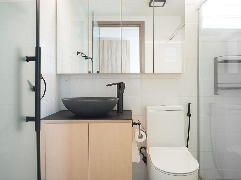✔88 Small Toilet Refurbishment Design Ideas That Are Comfortable To Use 86