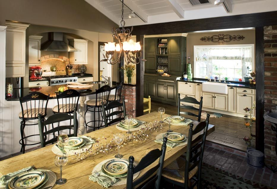 Country Style Kitchen Design by DeWitt Designer Kitchens | Kitchen ...