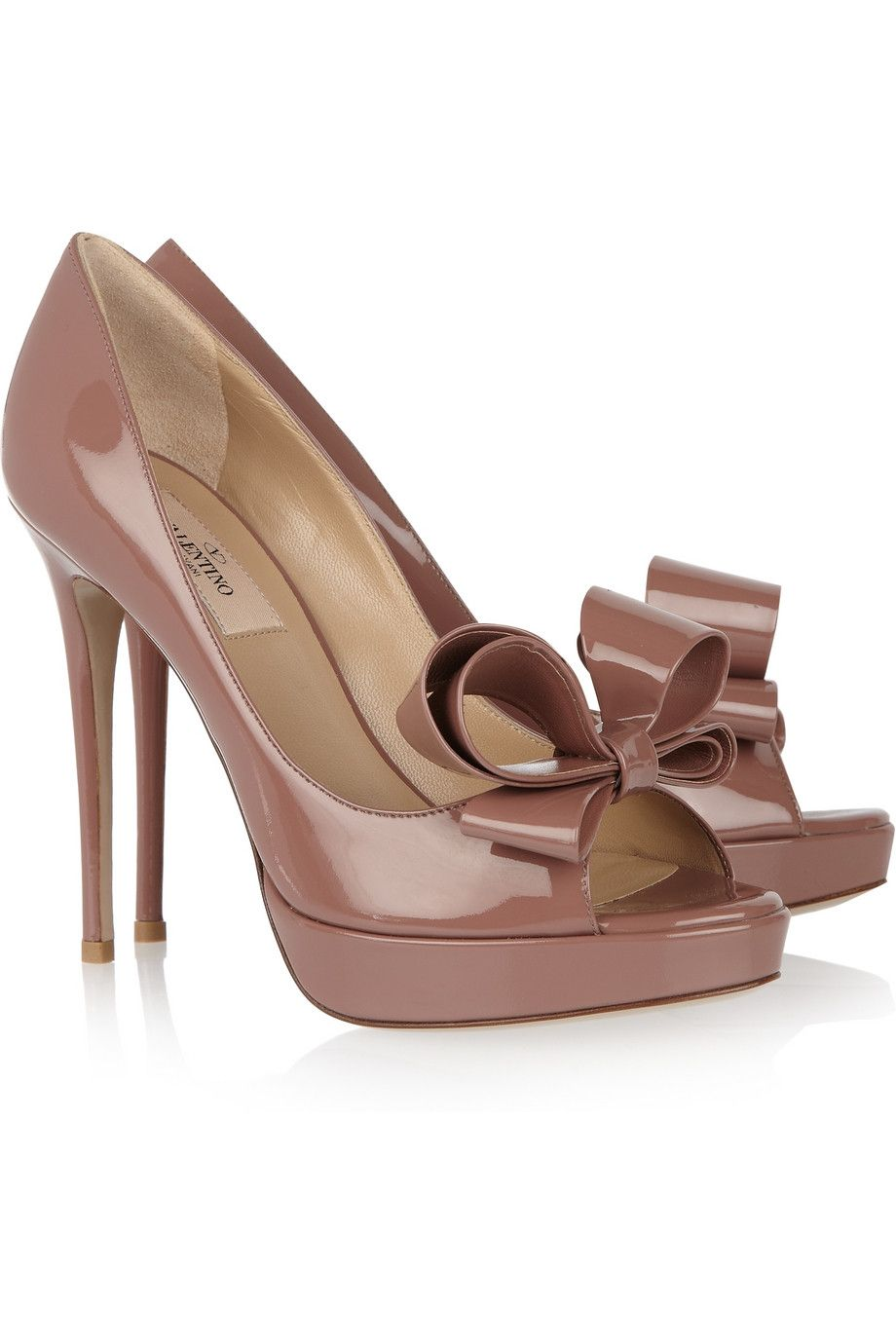 0a297d78f54 Elegantly beautiful Valentino patent-leather dusty rose hued bow ...