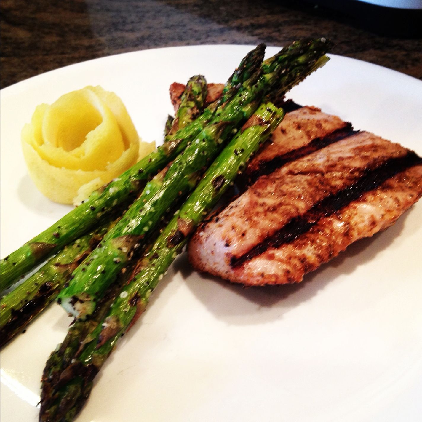 Blackened, Grilled Blue Fin Tuna - keviniscooking.com