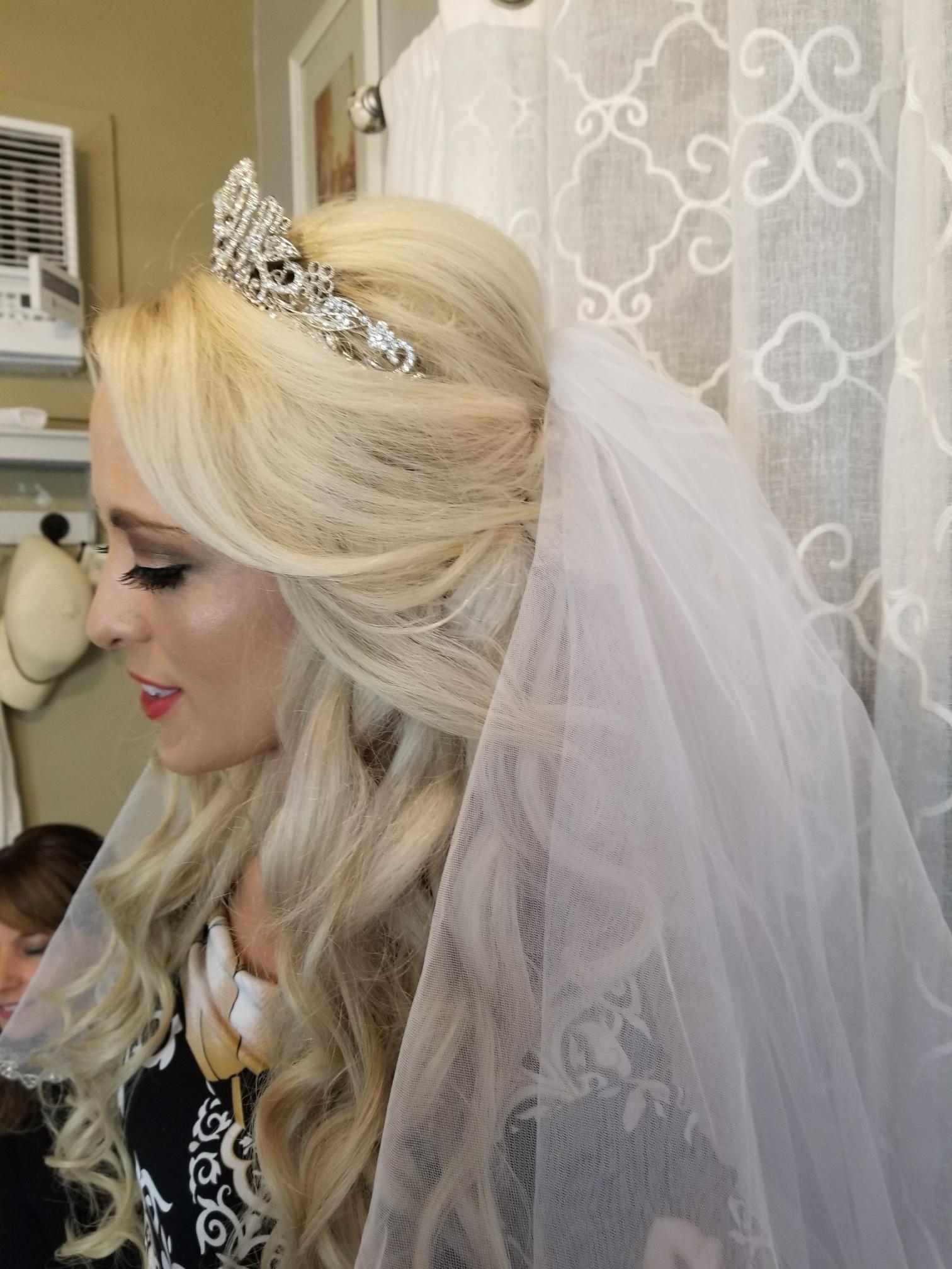 Soft Flowing Beach Waves With Tiara Beautiful Wedding Hair Wedding Tiara Hairstyles Bridal Hair And Makeup