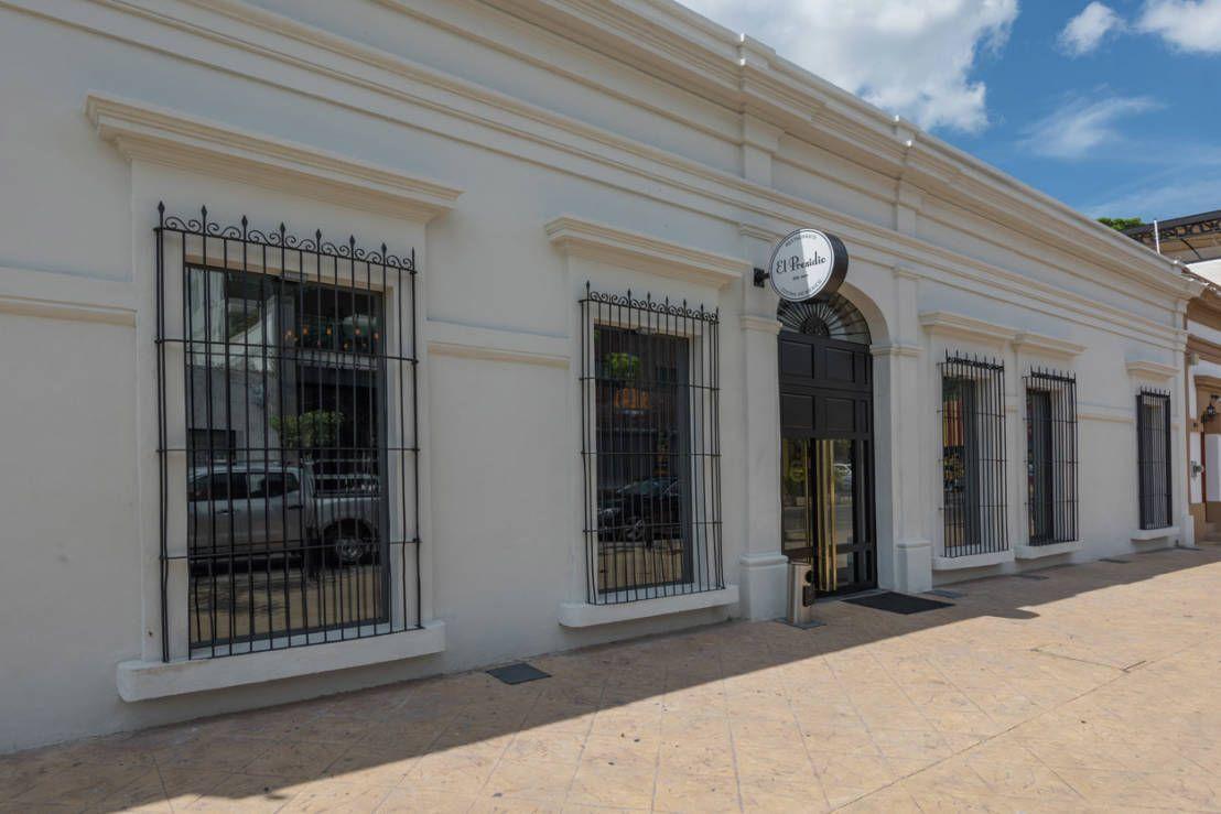 Encuentra las mejores ideas e inspiración para el hogar. El Presidio Casa Bon por Germán Velasco Arquitectos | homify
