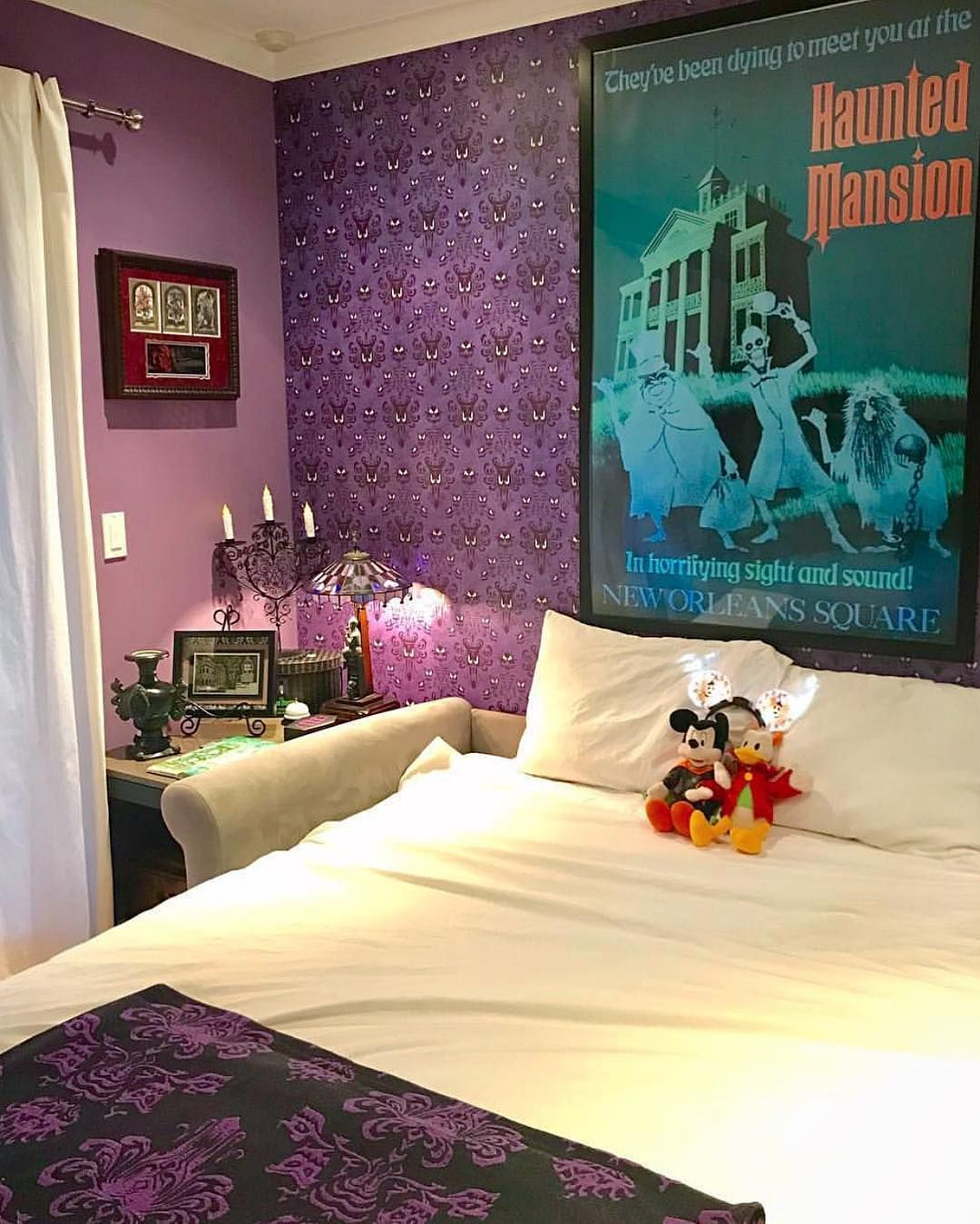 75 best Extra bed room haunted mansion images on Pinterest ...  Haunted Mansion Themed Bedroom