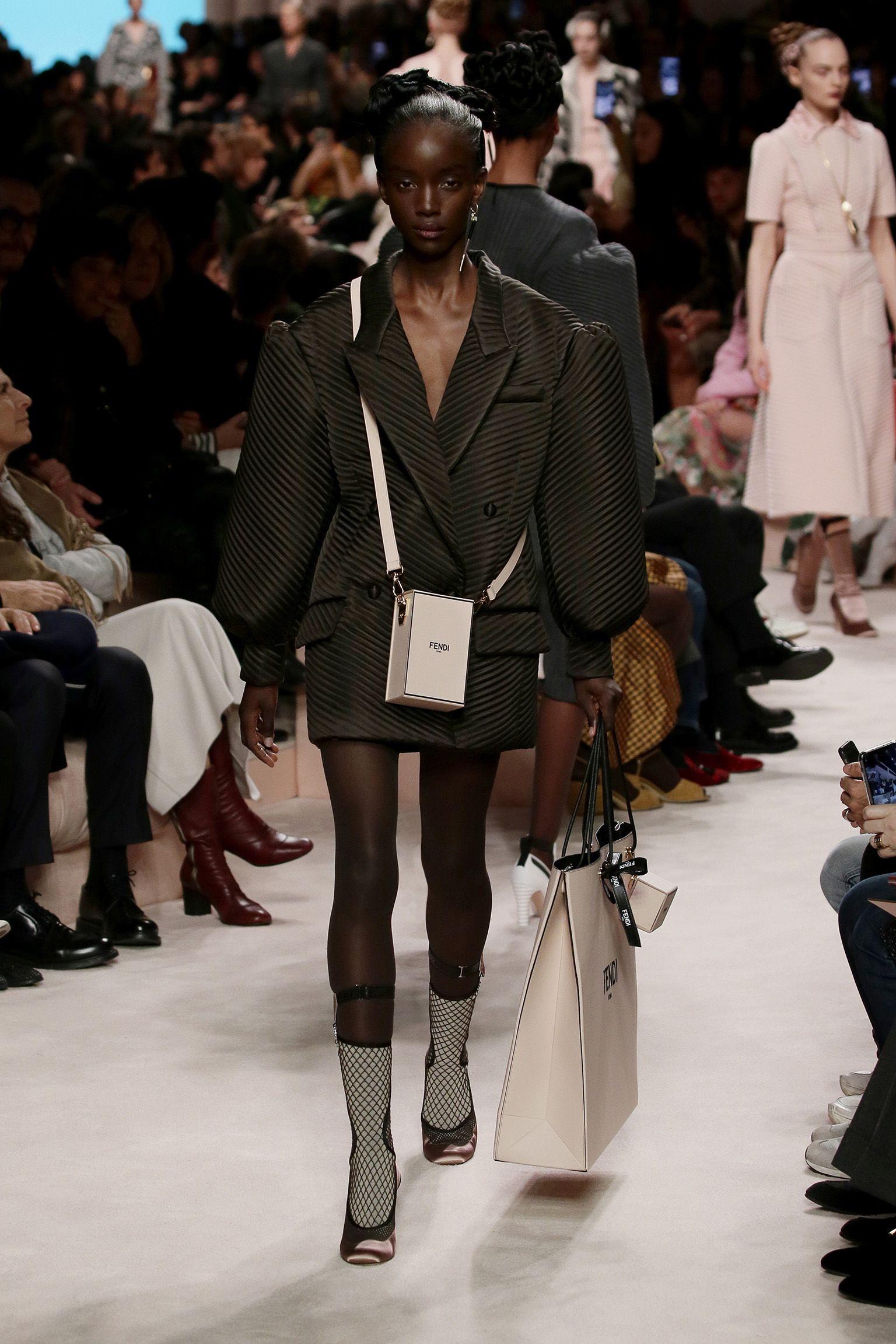 Women S Fall Winter 2020 21 Fashion Show Creative Director Silvia Venturini Fendi In 2020 Fashion Fendi Fashion Event