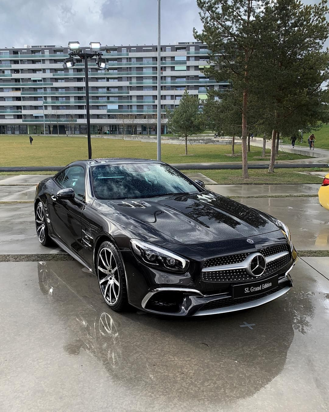 2019 Mercedes Benz Sl Grand Edition Is Its Final Year No Word On