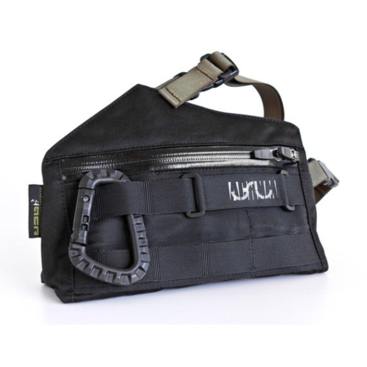 Uslu Airlines x ACRONYM 3A-12TS Bag   Sling bag   Waist pack ... 78d0cb8ab1