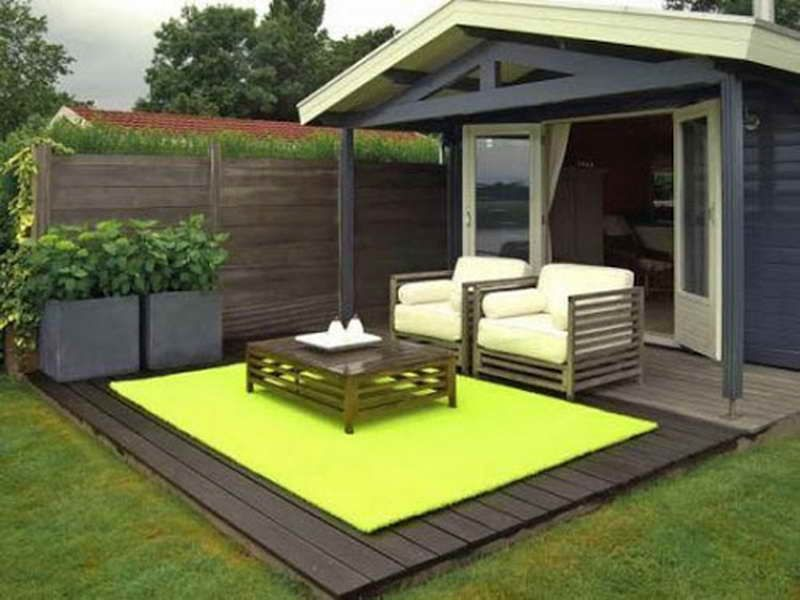 Average Size Outdoor Patio Rug In Bright Green Phosphor Color