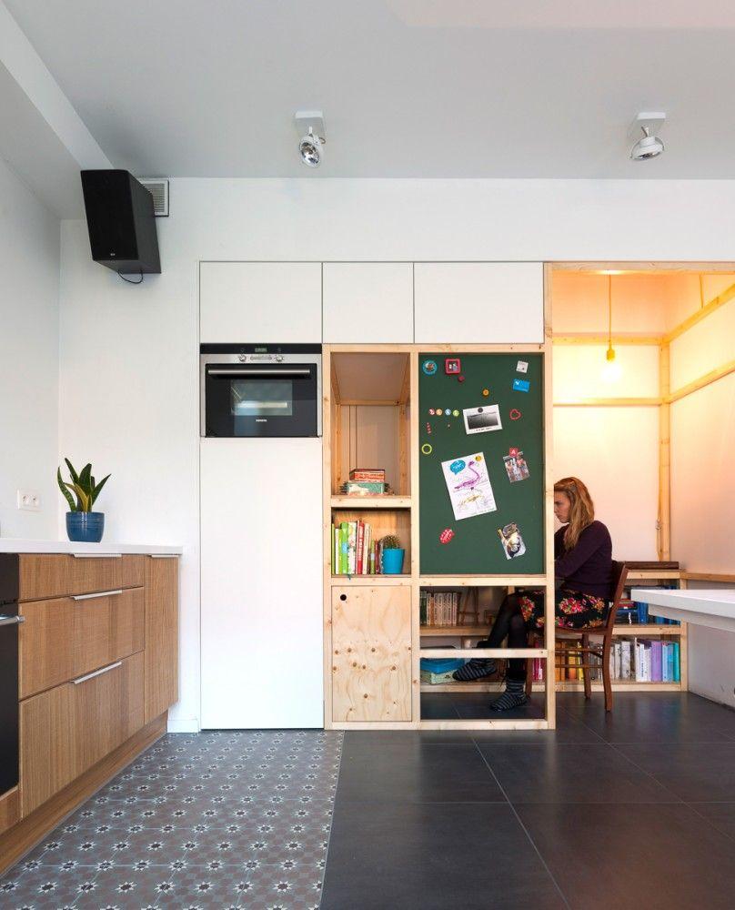 van staeyen interieur ontwerpbureau en showroom atelier bureau deskkindergarten designshowroomcornerdesksworkshop