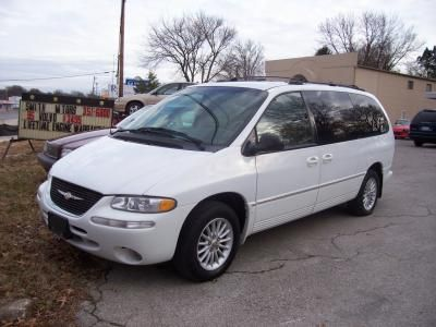 1995 White All Leather Chrysler Town And Country Mini Van I