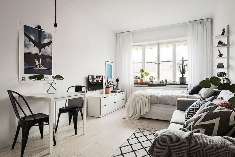 45 Stunning Decorating Ideas For Small Apartments Small Apartment Interior Apartment Living Room Small Apartment Bedrooms