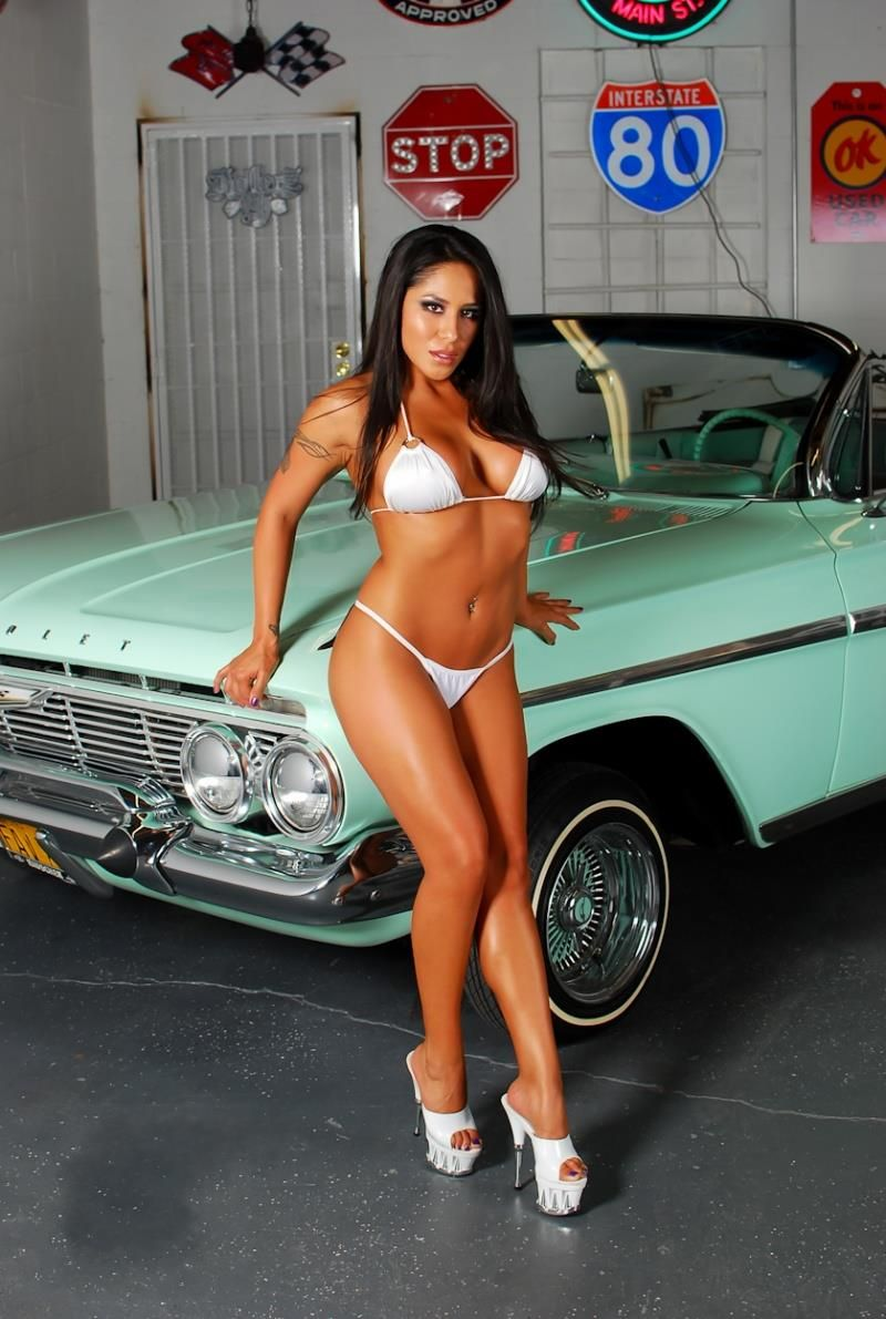 Big boob girl low rider