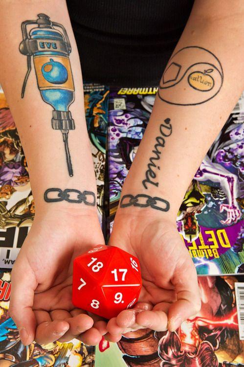 44e456980 Bioshock eve hypo and chains yeah | Tattoos | Bioshock tattoo, Girl ...