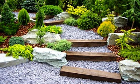 Gravel stepped path (© Amazing Decoration)