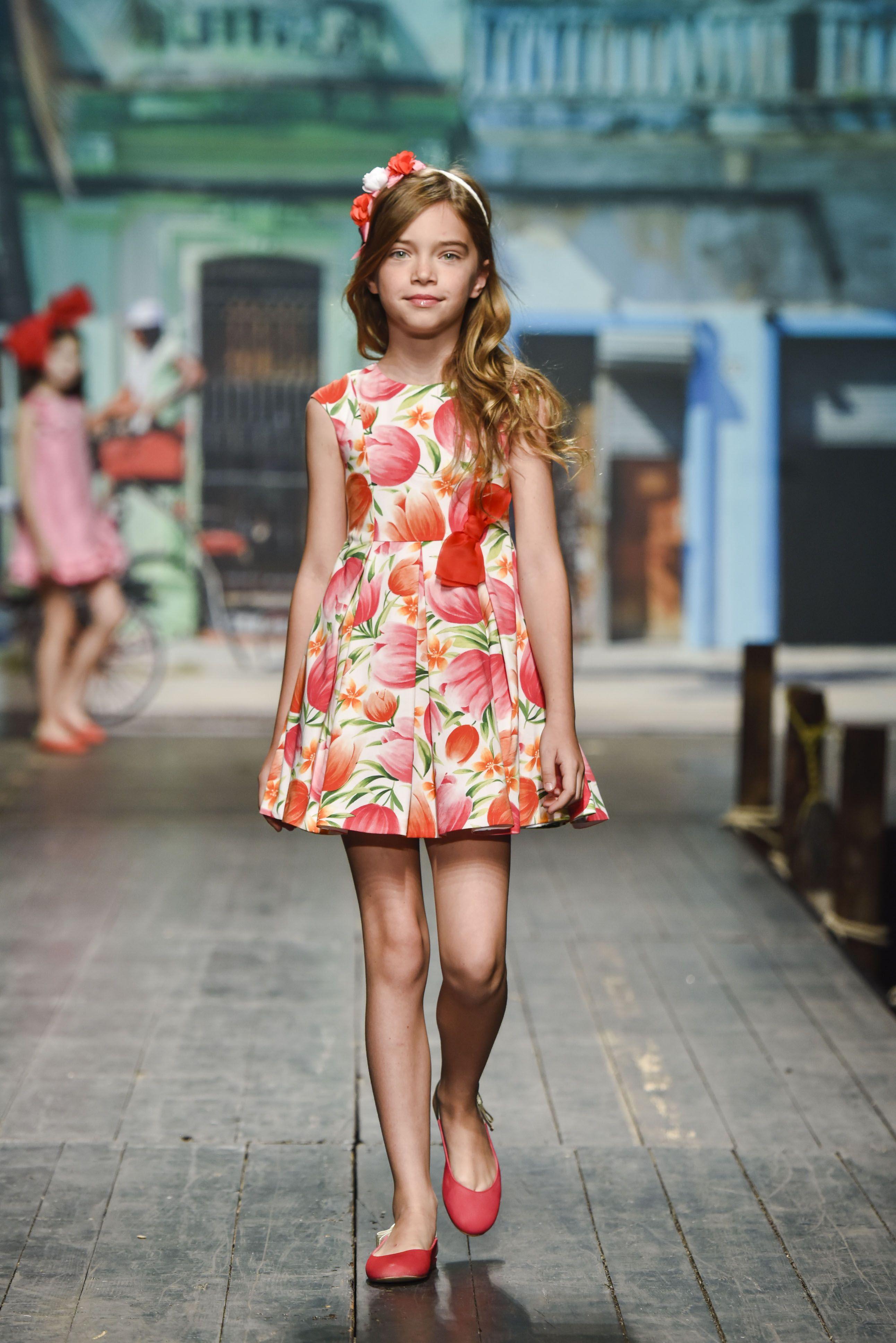 en casa rima Fe ciega  Pin en Ferias moda infantil