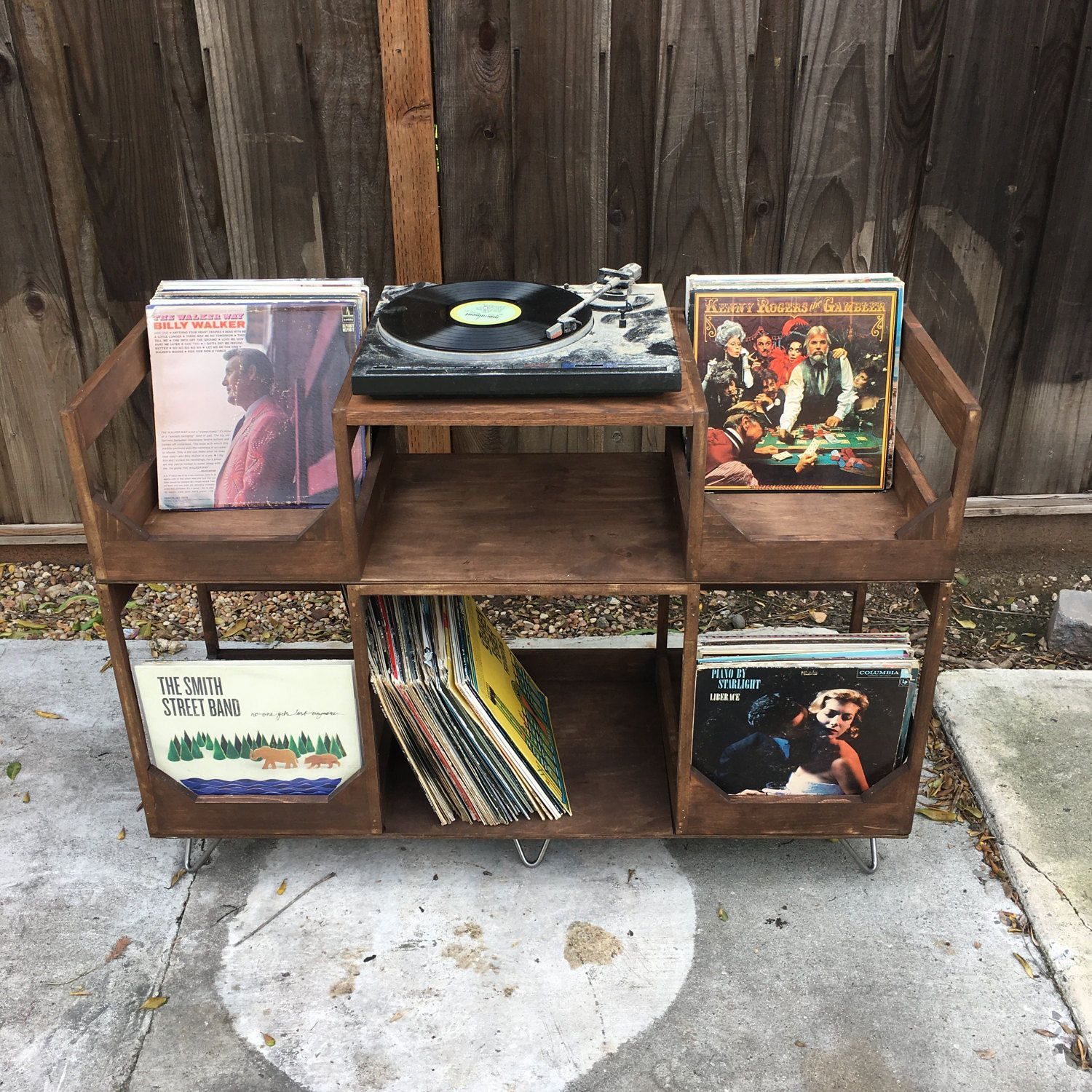 Deluxe Vinyl Display Turn Table Station Stylishly And Conveniently Display And Spin Your Collect Vinyl Storage Vinyl Record Storage Diy Vinyl Record Storage
