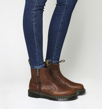 Dr Martens 2976 chelsea boots in brown
