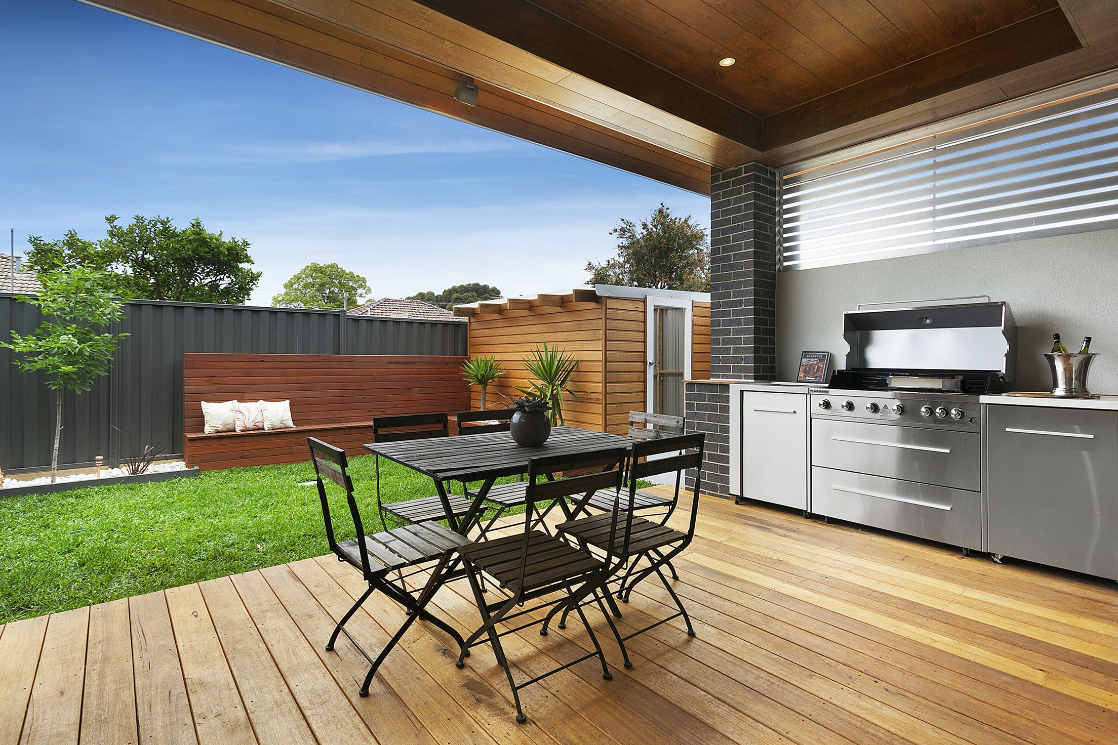 Modern alfresco backyard decking bbq built in small for Backyard built in bbq ideas