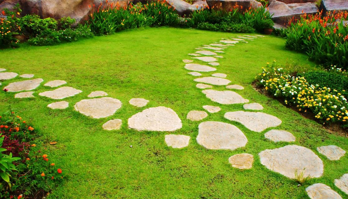 Image of: Unique Stepping Stones for Garden Paths Ideas | Cupertino ...