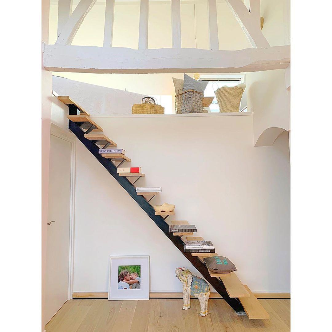 Myourhome On Instagram D Un Etage A L Autre Pigalle L Escalier Escalier Lapeyreofficiel Parquet Chene Bla En 2020 Parquet Chene Blanchi Chene Blanchi Escalier