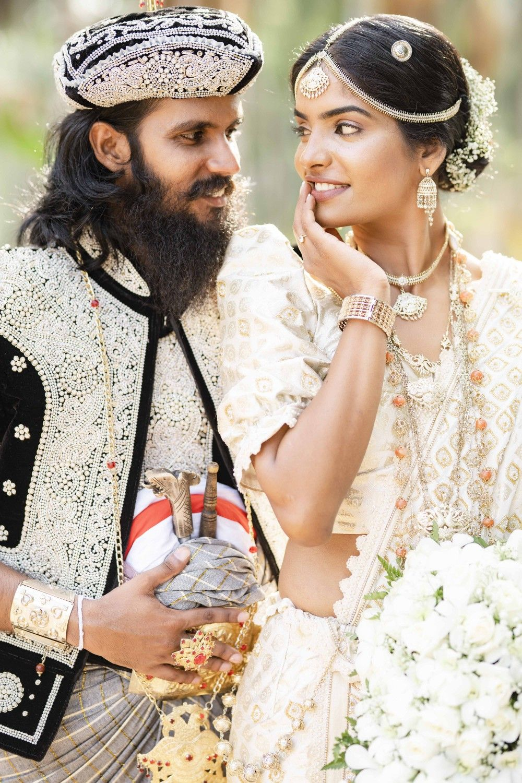 Pin By Yurani Abheetha On Wedding In 2020 Fashion Wedding Crown Jewelry
