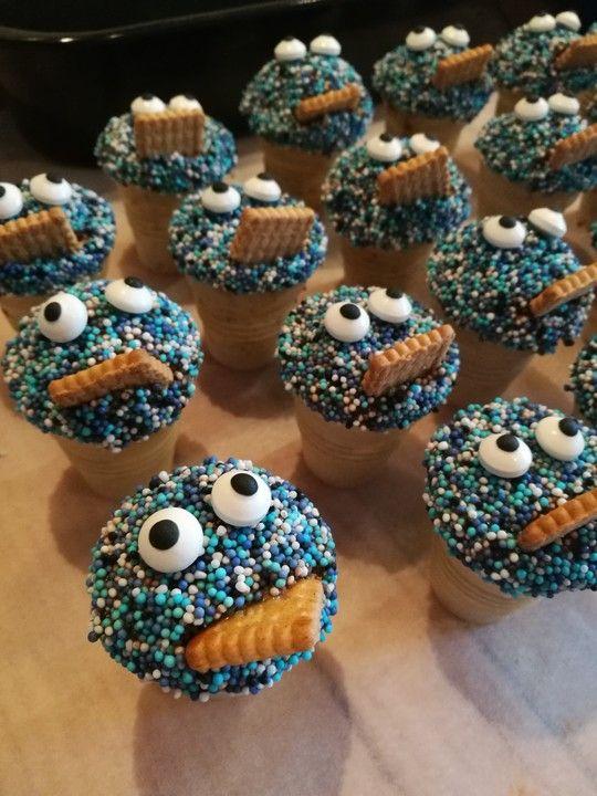 Kleine Kuchen im Waffelbecher in 2019  Waffelkuchen