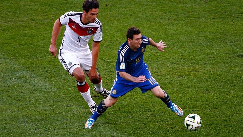Mats Hummels Of Germany 5 Challenges Lionel Messi Of Argentina 10 Lionel Messi Fifa Fifa World Cup