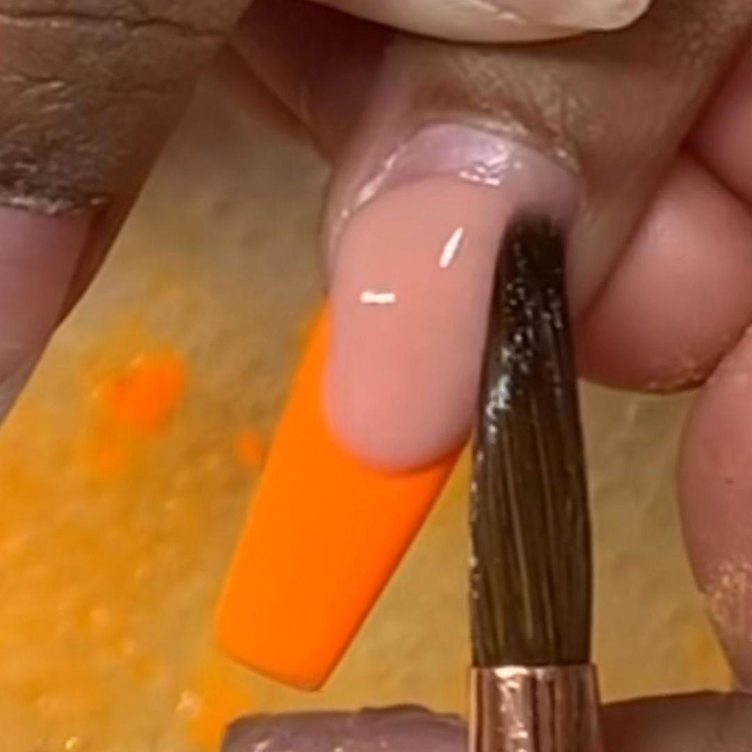���Amazing Ombré Nail Tutorial by @TalentedReddNails