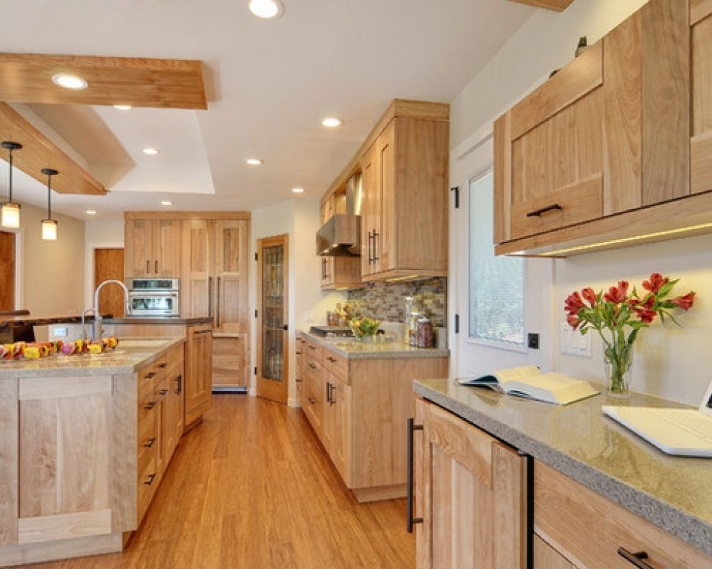 Cozy Birch Kitchen Cabinets Inspirations In 2020 Birch Kitchen Cabinets Oak Kitchen Cabinets Birch Cabinets