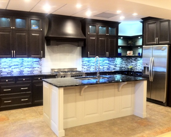 Countertop By World Stone Inc Cabinets By Gem Cabinets Edmonton Ab Countertops Cabinet Kitchen Cabinets
