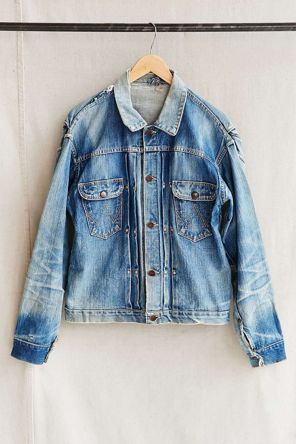 a1aca830115c7 Vintage Wrangler Jean Jacket - Urban Outfitters