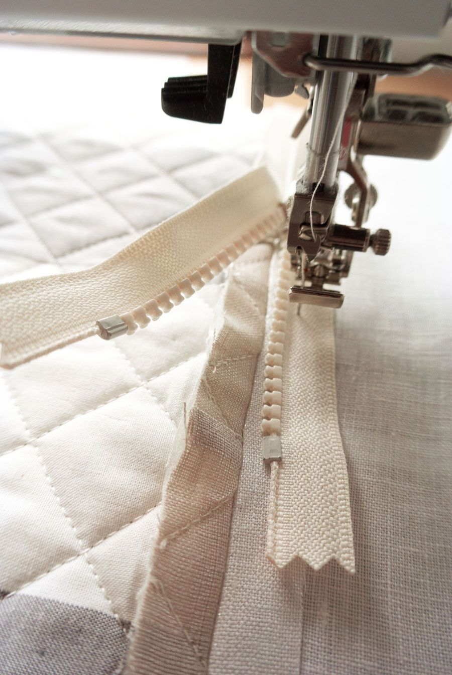 Sewing A Zipper In A Pillow.Make A Quilted Zipper Pillow Photo Tutorial Small Quilty