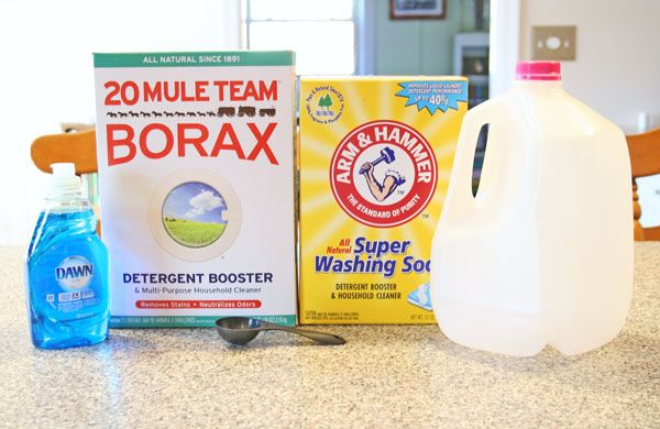 How to Make No Grate Homemade Laundry Detergent | www.rappsodyinrooms.com #cleaning #homemade #laundrydetergent