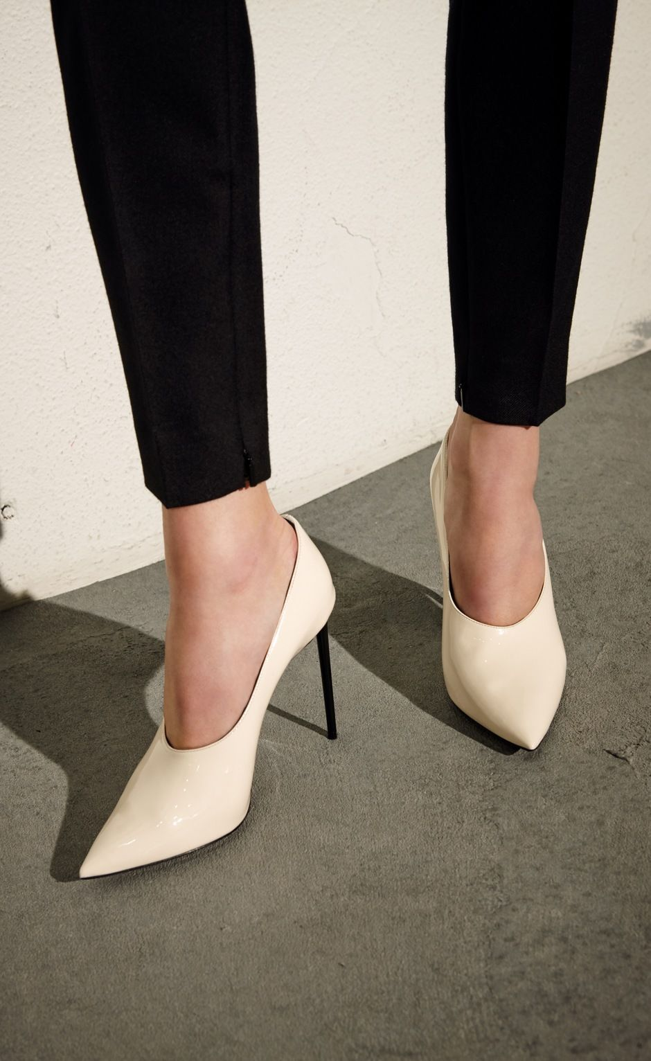 78ea758da250c9 These new Saint Laurent Teddy pumps are simply gorgeous. They re modern and  sleek