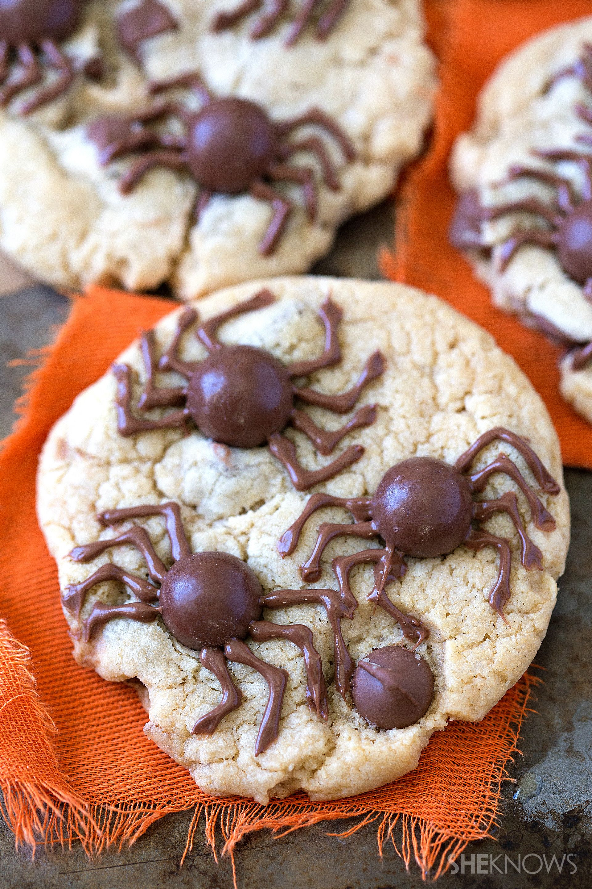 scare the kids with these creepy spider chocolate chip cookies for