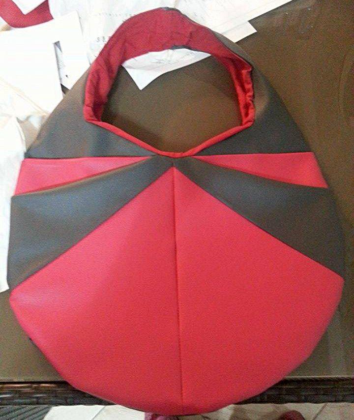 Candy rouge et noir cousu par Camille. Patron Sacôtin #couture