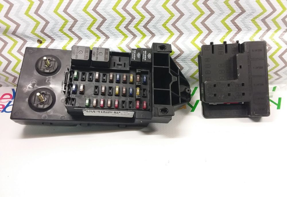 2000 2001 Ford F 150 4x4 Truck Fuse Box Relay Assembly Yl34